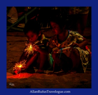 Street Photography - Kids with sparklers!
