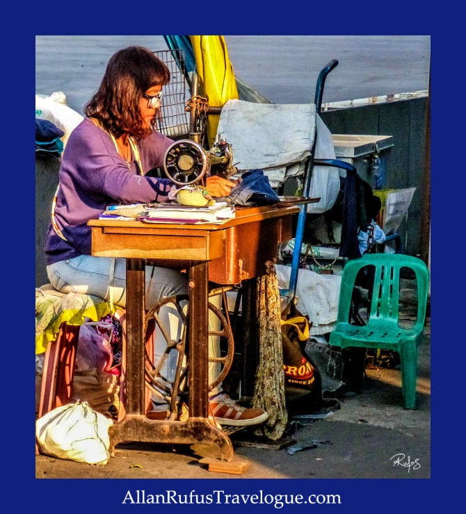 Street Photography - Street sewing - Bangkok!