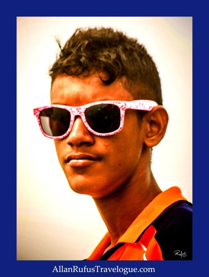 Street Photography - Big shades... er sunglasses!