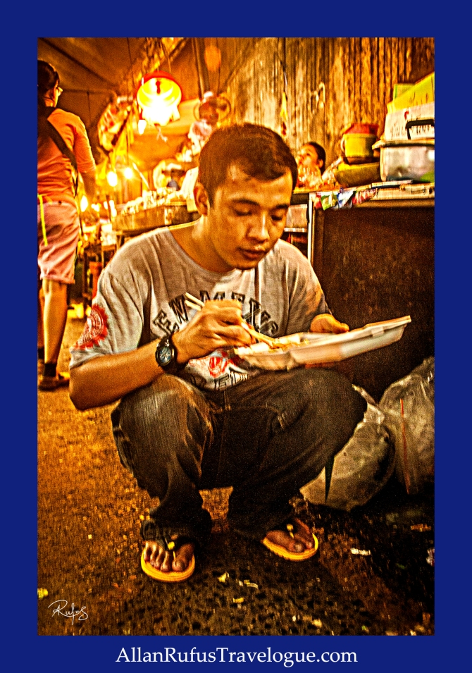 Street Photography - Eating take away in the street!