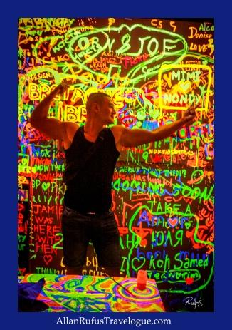 Street Photography - Neon glow!